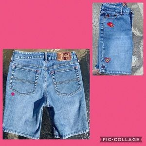 lei Bottoms - Girl's Lei Denim Shorts w/ Embroidered Hearts S 10